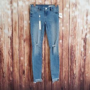 BLANKNYC Jeans 24 Distressed Skinny